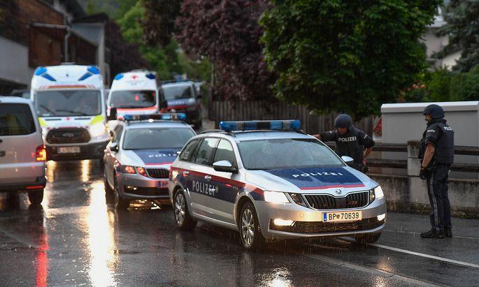 Großaufgebot von Einsatzkräften bei der Festnahme am Samstag.