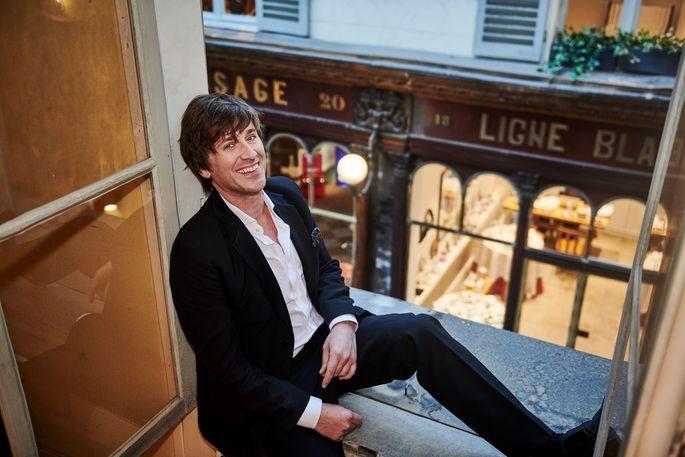 Thomas Dutronc, der Sohn von Chansonnière Françoise Hardy, spielt geschmackvoll und ironiefrei mit den Klischees seiner Heimatstadt.