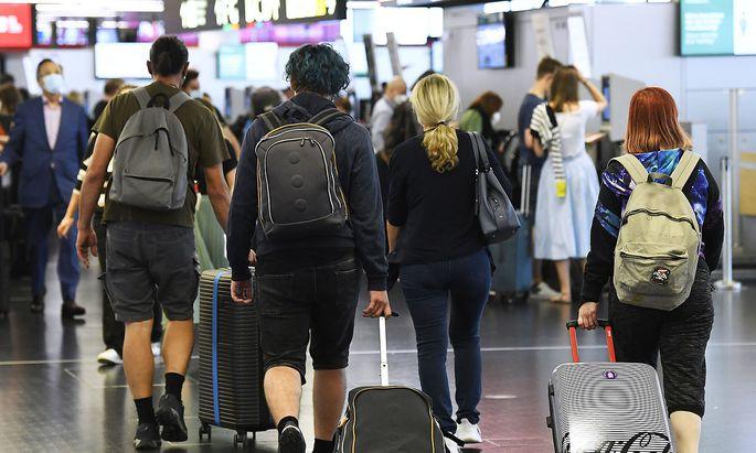 Weil einige Staaten keine Beschränkungen vorsehen, können manche Flugpassagiere auch von Wien aus ohne 3-G-Nachweis einchecken.
