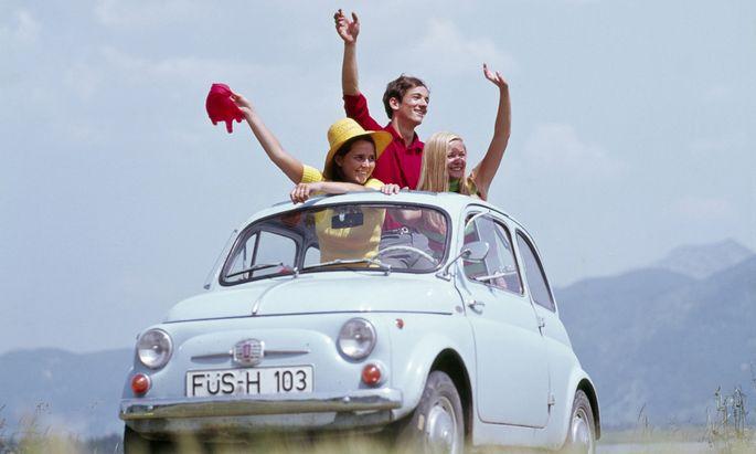 Winke, winke! Bei Fiat sieht man jede Menge Platz für einen Partner – und hat sich schon einmal Renault angelacht.