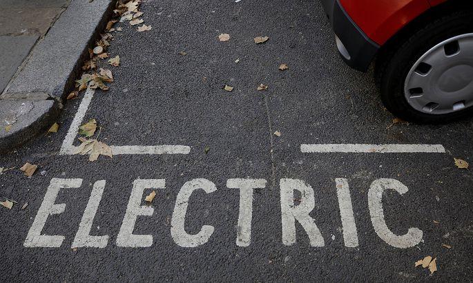 """Wie die meisten Staaten fördert auch Österreich den E-Auto-Boom. Mit mehr als zwei Dritteln """"Öko"""" im Strommix, sind die Voraussetzungen hier besser als anderswo."""