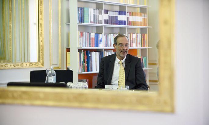 """""""Aber es ist, wie ich schon einmal gesagt habe, nicht die Zeit, um besonders hart zu sein"""", sagt Bildungsminister Heinz Faßmann."""