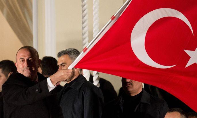 Cavusoglu soll seine Sympathie mit der Ülkücü-Bewegung ausgedrückt haben.