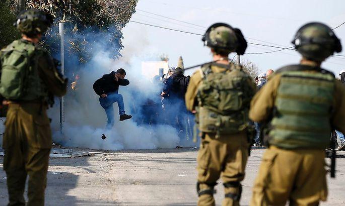 Auseinandersetzung zwischen Palästinensern und israelischen Soldaten in Ramallah