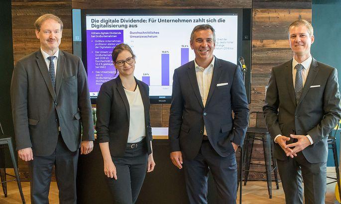 Digitalisierung führt zu einem direkten Geschäftserfolg, erläutern Christian Helmenstein, Michaela Zalesak, Michael Zettel und Philipp Krabb.
