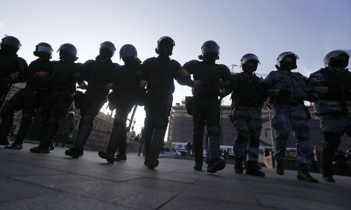 Wie üblich griff die Polizei hart durch.