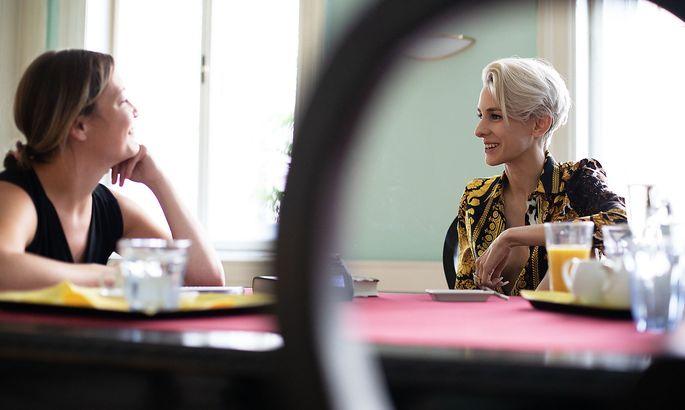 Lisa Eckhart und Anna Wallner im Gespräch.