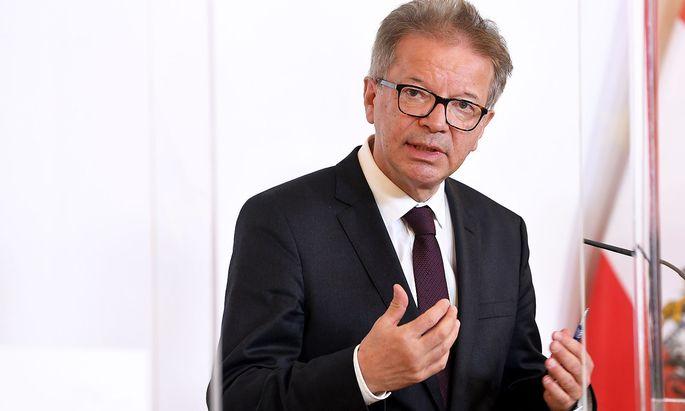 Gesundheitsminister Rudolf Anschober erklärt die Vorgangsweise für mögliche Risikogruppen in der Arbeitswelt.