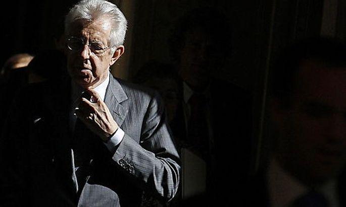 Italiens Premier glaubt nicht, dass Italien unter den Euro-Rettungsschirm müsse.