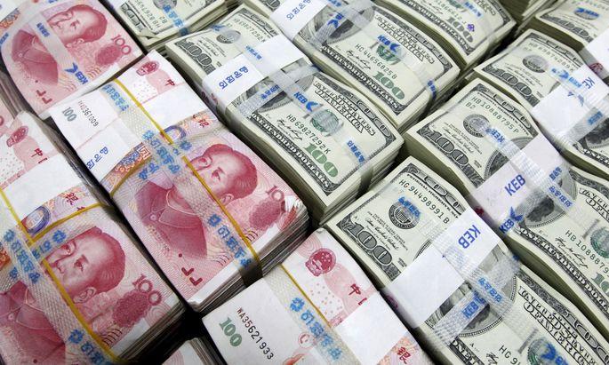 Zum Yuan hat der Greenback seit April um mehr als zehn Prozent zugelegt.