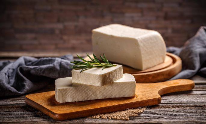 Fresh feta cheese PUBLICATIONxINxGERxSUIxAUTxONLY Copyright xgrafvisionx Panthermedia26475425