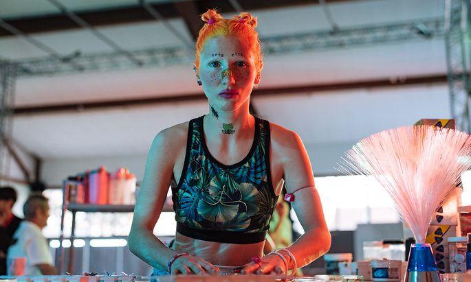"Tryptophan gefällig? An der Bar im Fitnesscenter bei ""Medusa Bionic Rise""."