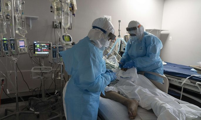 US-HOUSTON'S-UNITED-MEMORIAL-MEDICAL-CENTER-CONTINUES-TO-HANDLE-