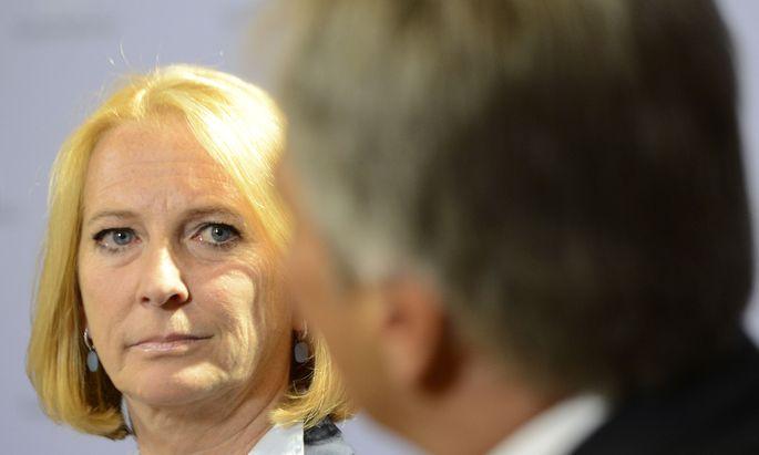 Werner Faymann mit seiner Vertrauten Doris Bures: Forderungen der Bundespartei wurden von der Wiener SPÖ abgeschmettert.