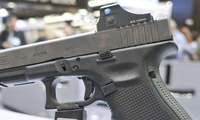Eine neu vorgestellte Handfeuerwaffe des �sterreichischen Herstellers Glock ist am 04 03 2016 w�hren