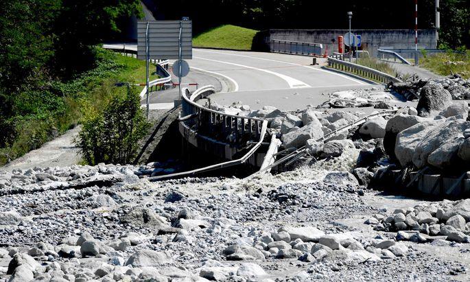 Verschüttete Straße in Bondo.