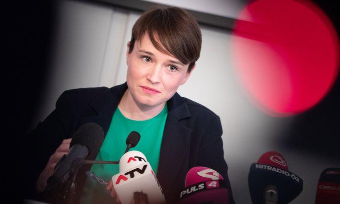 In der Onlinewelt würden viele Grenzen überschritten werden. Als Beispiel nannte die Regierung den Fall Sigrid Maurer.