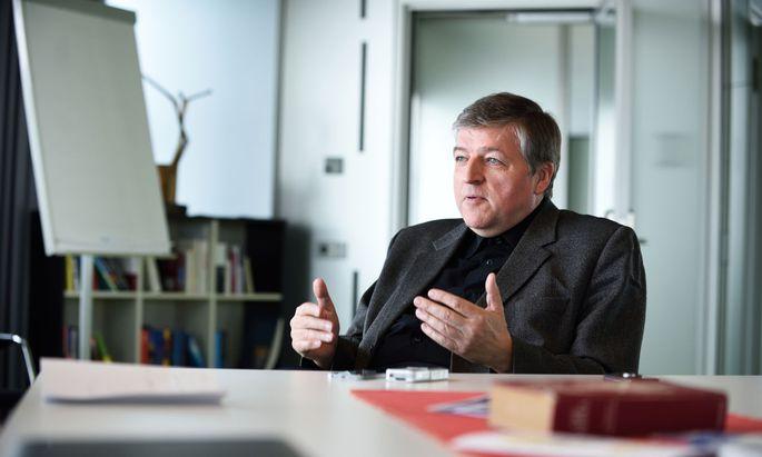 Helmut Schüller, früherer Wiener Generalvikar und Caritas-Chef, im Interview über Missbrauch durch Priester.