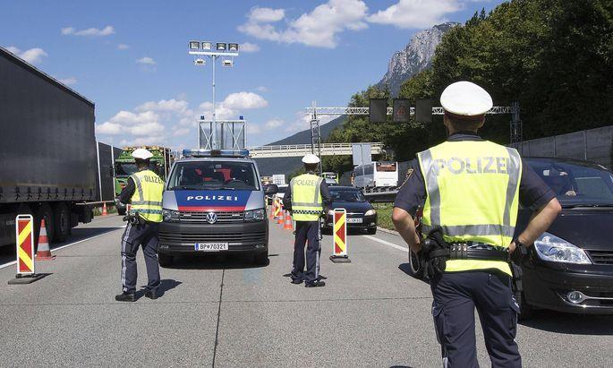 Archivbild aus sommerlichen Tagen - rund um Weihnachten könnte Österreich seine Grenzen besonders genau kontrollieren.