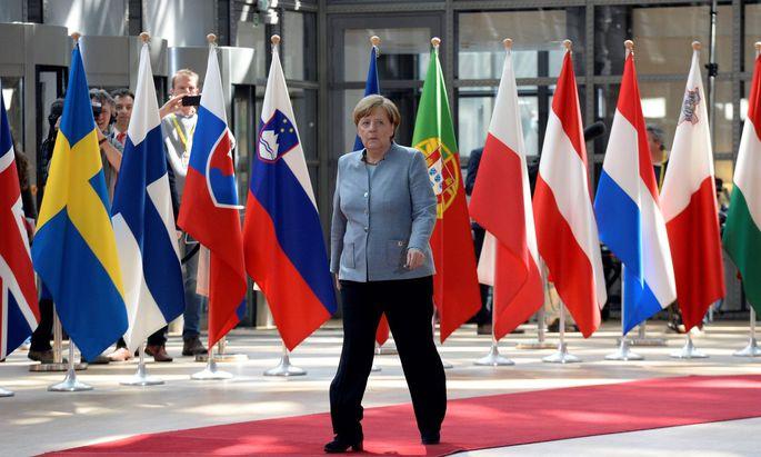 Kanzlerin Angela Merkel trifft zum Sondergipfel in Brüssel ein. Einziges Thema sind die Brexit- Verhandlungen. Britische Hoffnungen auf eine Sonderbehandlung durch Deutschland wurden spätestens gestern zerschlagen.