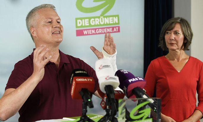Am Mittwoch präsentierten Spitzenkandidatin Birgit Hebein (hier am Foto mit David Ellensohn) das grüne Wahlprogramm.