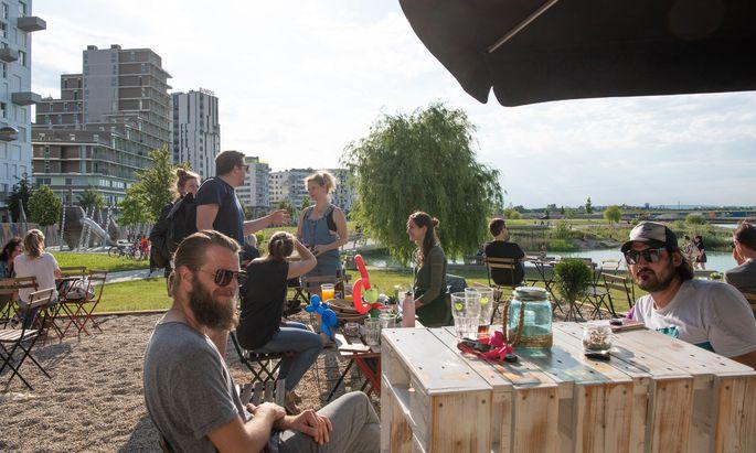 Das Tschau Tschau ist der erste Gastronomiebetrieb am See. Die Betreiber haben sich zuvor am Donaukanal einen Namen gemacht.