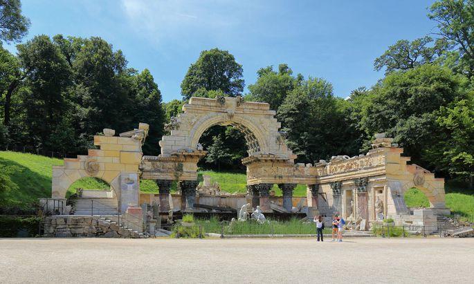 Neoantik. Ein Piranesi-Stich war Vorlage zum Schönbrunner Tempel-Ruinen-Fake aus dem späten 18. Jahrhundert.