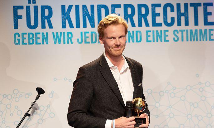 Relotius mit dem Ulrich-Wickert-Preis - die Jury reagierte schnell und erkannte ihn schon gestern ab.