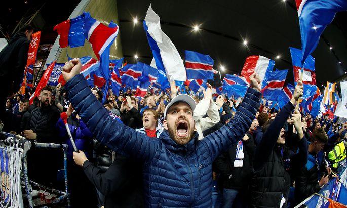 Rangers-Fans im Ibrox-Park