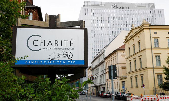 Nawalny wird in der Berliner Charité behandelt.