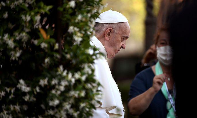 Papst Franziskus bringt die Reform des Kirchenrechts zu einem vorläufigen Abschluss.