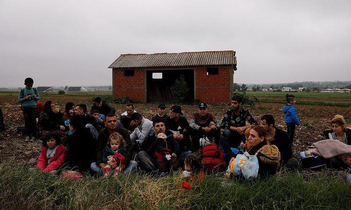 Syrische Flüchtlinge gelangen nach wie vor über die türkische Grenze auf die Balkanroute. Werden sie künftig in Lagern kurz vor der EU-Außengrenze aufgefangen?