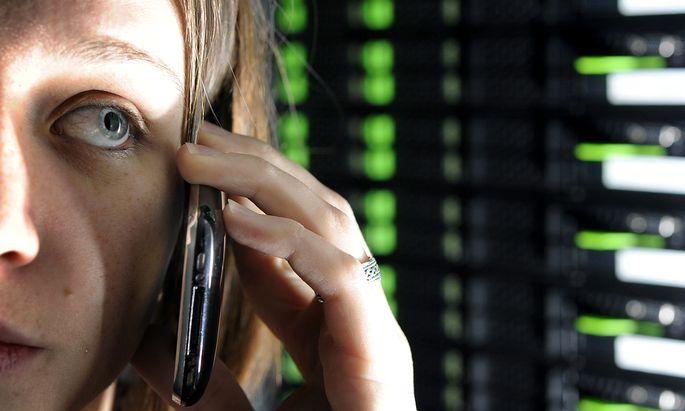 In besonders heiklen Branchen wie Date oder Telekom will das Wirtschaftsministerium schon ab einem Anteil von zehn Prozent ein Vetorecht (Symbolbild).
