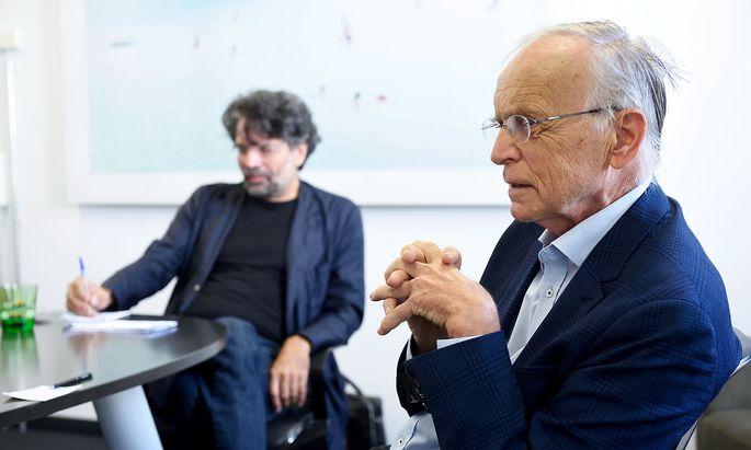 Robert Pfaller und Paul Zulehner tauschen ihre Gedanken aus.