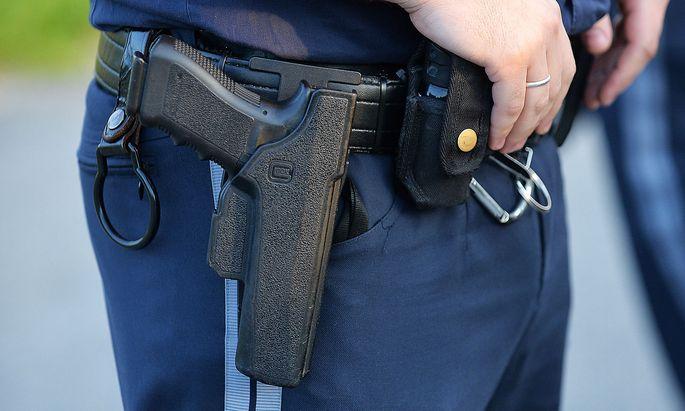 Auch Verkehrspolizisten tragen hierzulande eine Waffe. Für die Grünen muss das nicht sein.
