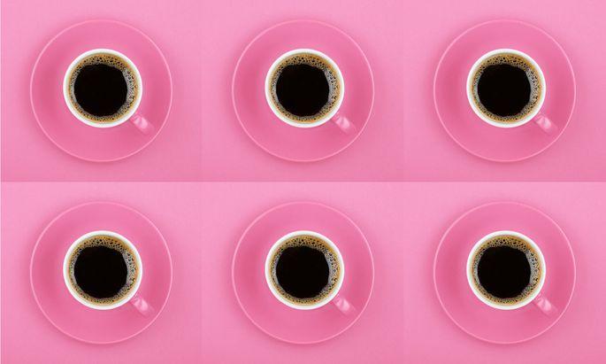 Alles über sechs Tassen Kaffee pro Tag ist gesundheitsschädlich