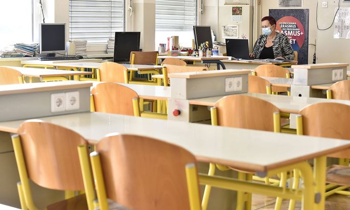 News Bilder des Tages Remote learning in Slovenia New restrictions are taking effect across Slovenia following a fresh s