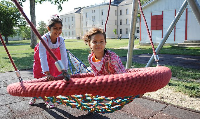 Symbolbild: Flüchtlingskinder beim Spielen