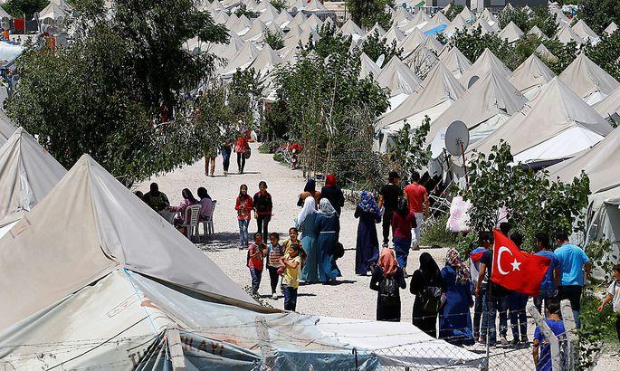 Flüchtlingsdeal: Bisher 2,2 Mrd. Euro an Türkei geflossen