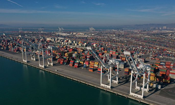 US-WTO-PROJECTS-THAT-GLOBAL-TRADE-FLOWS-WILL-FALL-TO-LOWEST-LEVE