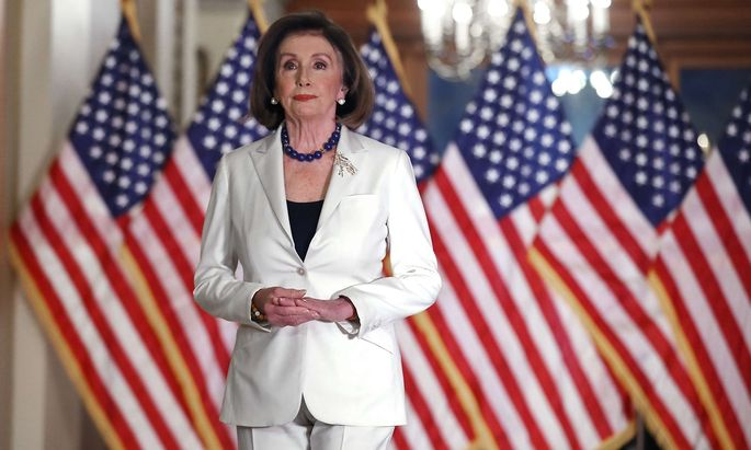 US-HOUSE-LEADER-NANCY-PELOSI-SPEAKS-TO-PRESS-ON-THE-STATUS-OF-TH