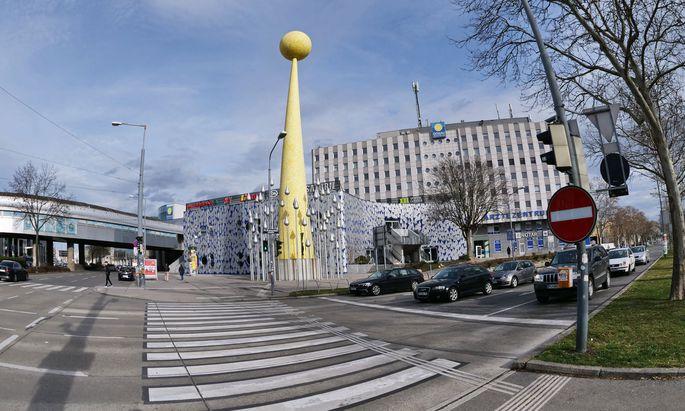 Hochhaus statt Skulptur? Donaustadtstraße/Wagramer Straße.