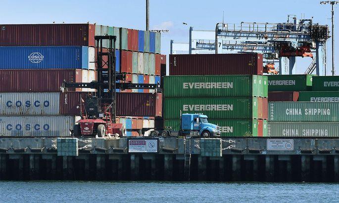 China führt weitere Zölle auf US-Waren ein.