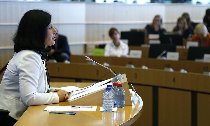 Vera Jourova hat es hinter sich: Sie wird vom EU-Parlament als Justizkommissarin bestätigt.