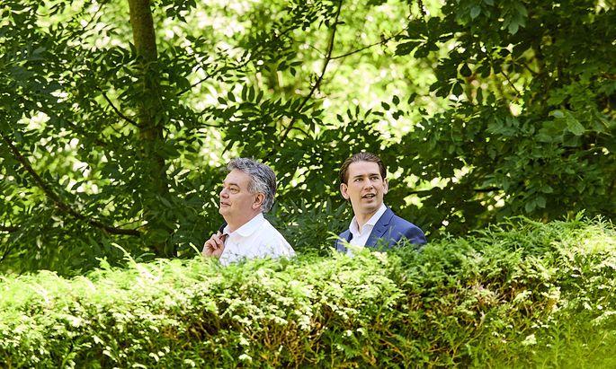 Vizekanzler Werner Kogler (Grüne) und Kanzler Sebastian Kurz (ÖVP): Bis vor Kurzem – hier beim Sonderministerrat – noch ein harmonisches Team.