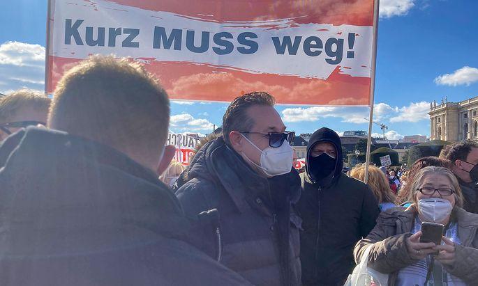 Heinz-Christian Strache bei einer Demonstration gegen die Anti-Corona-Maßnahmen der Bundesregierung Anfang März in Wien.