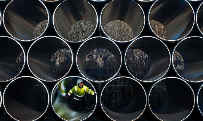 MIttlerweile sind alle Rohre für die Nord Stream 2 verlegt. Doch Russland muss noch auf die Genehmigung aus Deutschland warten.