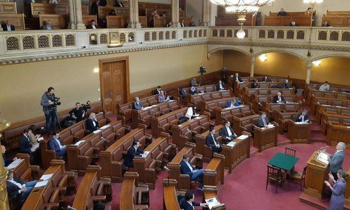 Abstand halten war am Donnerstag das Motto auch im Wiener Gemeinderat.