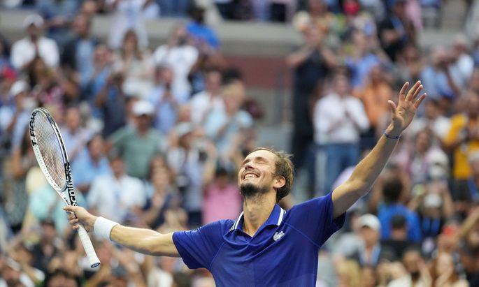 Daniil Medwedew freut sich über seinen Sieg