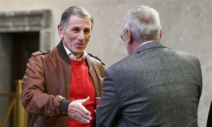 Die Angeklagten Peter Hochegger (l.) und Ex-Telekom Vorstand Rudolf Fischer